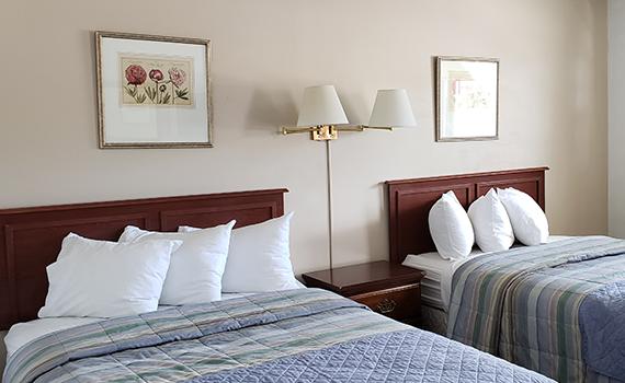 2 Queen Beds